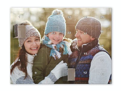 Lav din egen personlige fyld-selv-julekalender online hos Pixum nu!