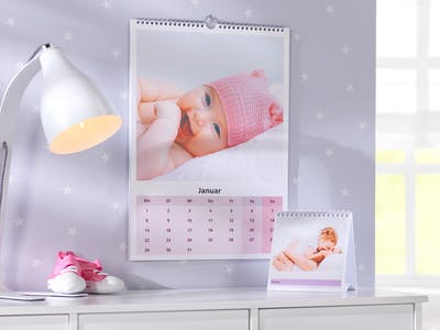 Babykalender mit zwei verschiedenen Motiven.