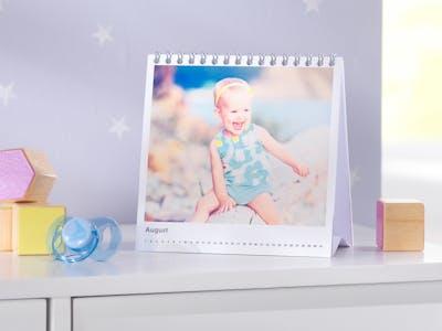 Ein Tischkalender für Babys.