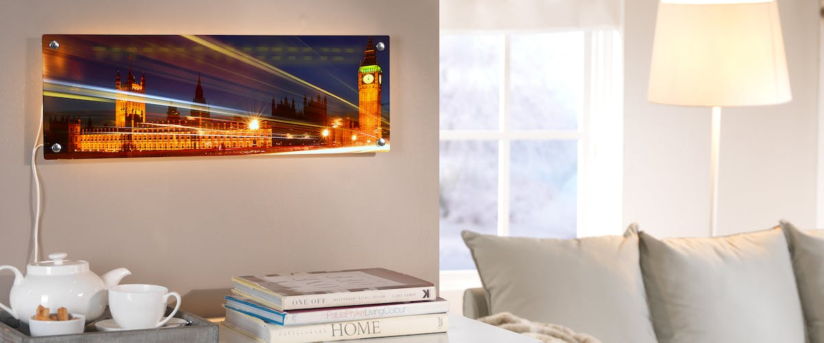 Acrylic glass for luminous moments
