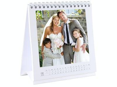 Aufgeklappter Tischkalender