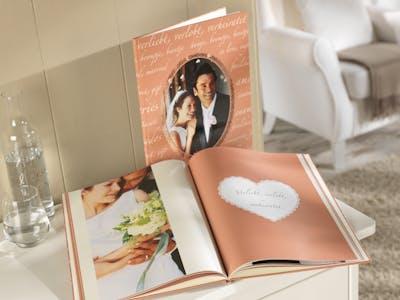 Ein Fotobuch für die Hochzeit.