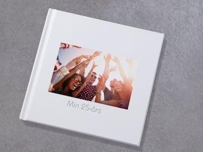 Med en Pixum fotobog Insta fastholder du dine personlige highlights i et praktisk format.