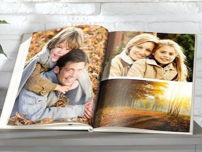 Teile deine schönsten Erinnerungen im Pixum Fotobuch einfach online.