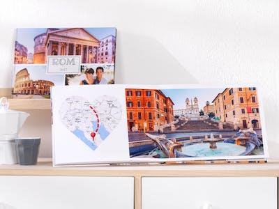 Nutze neben DIY-Elementen auch Cliparts und Co., um deinem Reisefotobuch den letzen Schliff zu verleihen.