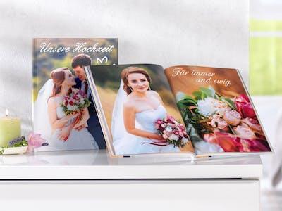 Ob in der Fotowelt Software oder direkt online - Ihr Hochzeitsgästebuch ist im Handumdrehen selbst gestaltet!