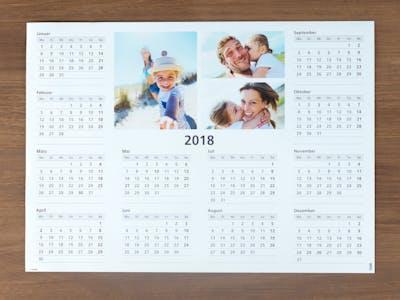 Jahreskalender mit Familienfotos.