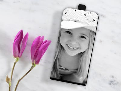 Ob oben oder unten: Mit dem Downflip-Case ist Ihr Handy rundum gut geschützt.
