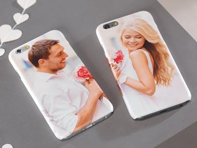 Geschenk zum Valentingstag gesucht? Gestalte eine individuelle Partner-Handyhülle und überrasche deinen Lieblingsmenschen.