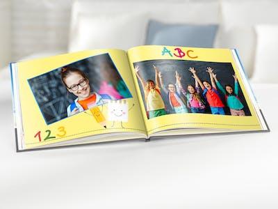 Gestalten Sie das Fotoalbum zur Einschulung besonders bunt und kreativ - einfach in der Pixum Software.