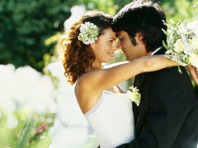 Ein frisch verheiratetes Paar.
