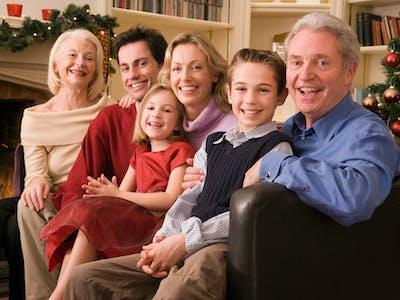 Guter Tipp für Familienfotos: Staffeln Sie die Personen in mehrere Reihen