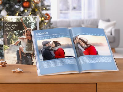 Pixum Photo Book as year review in the Christmas atmosphere.