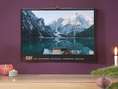 Fotokalender mit Landschaftsbild.