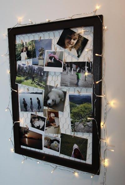 Met lichtjes versierde fotolijst: DIY-tip